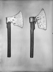 A pair of executioner's axes. Credit: Rijksdienst voor het Cultureel Erfgoed [CC BY-SA 3.0] via Wikimedia Commons
